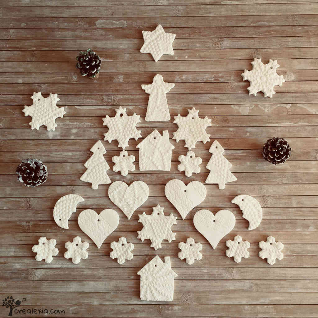 ac09f67df6b6 Egyedi karácsonyi díszek készítése porcelángyurmából - CREALEXIA
