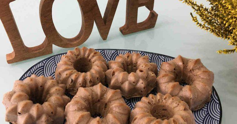 Mindenmentes mandulás-gesztenyelisztes muffin növényi ital szűrleménnyel