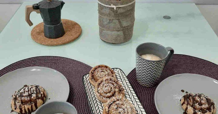 Girelle al cacao e alla cannella con farina di grano saraceno e farro
